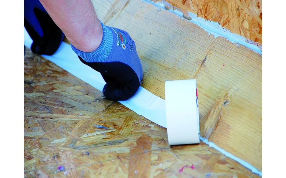 Einseitig klebendes Abdeckband aus Polyethylen zum Schutz empfindlicher Oberflächen im Innen- und Außenbereich.